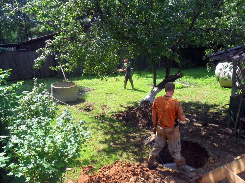 Как выкопать яму для септика.